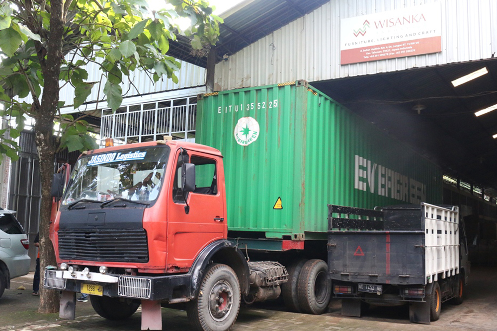 Container__Bawah Video 02