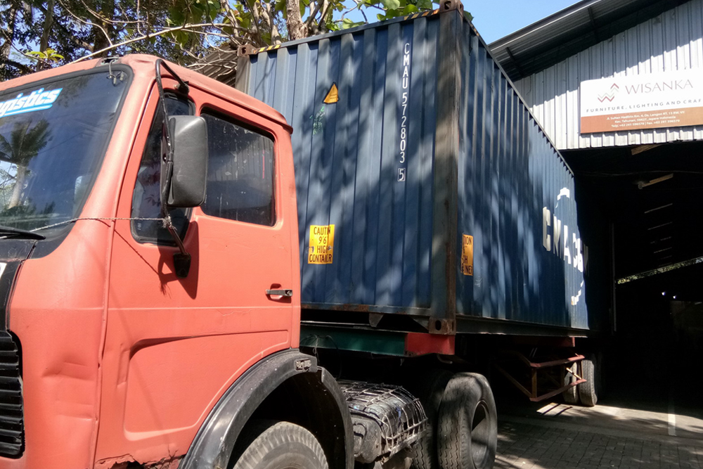 Container__Bawah Video 03